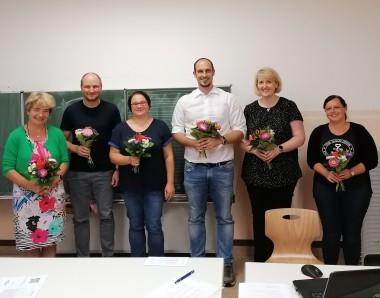 Neuer Vorstand ( Vorsitzende Fr. Beyer 3.von links)